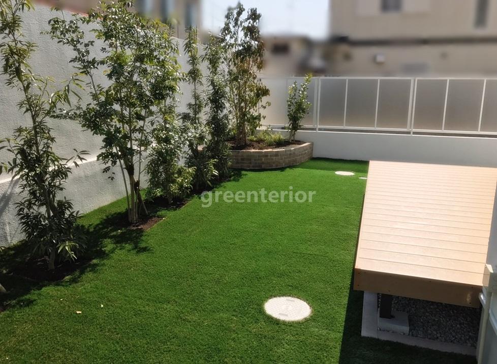 ローメンテナンス 人工芝の庭